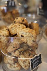 Cinnamon Raisin Swirl - Baker & Scone (Kim Yokota) Tags: food toronto ontario canada bokeh bakery scones cinnamonraisin nikond7000 nikonafsnikkor24mmf14ged bakerscone