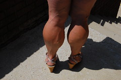 DSC_0199jj (ARDENT PHOTOGRAPHER) Tags: highheels muscular veins calves flexing veiny bodybuildingwoman