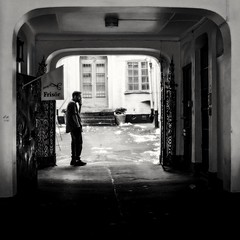 The hairdresser (Per Österlund) Tags: bnw bw baw hairdresser blackandwhite noiretblanc svartvitt gamlastan oldtown panasonic panasonicgx8 2016 city strasenfotografie gatufoto streetphotography stockholm sweden street