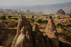 Meet the family ( V ) Tags: turkey turkiye torokorszag asia asiaminor anatolia anadolu goreme cappadocia kapadokya cavusin fairychimney fairychimneys geology erosion landscape nature outdoor hiking