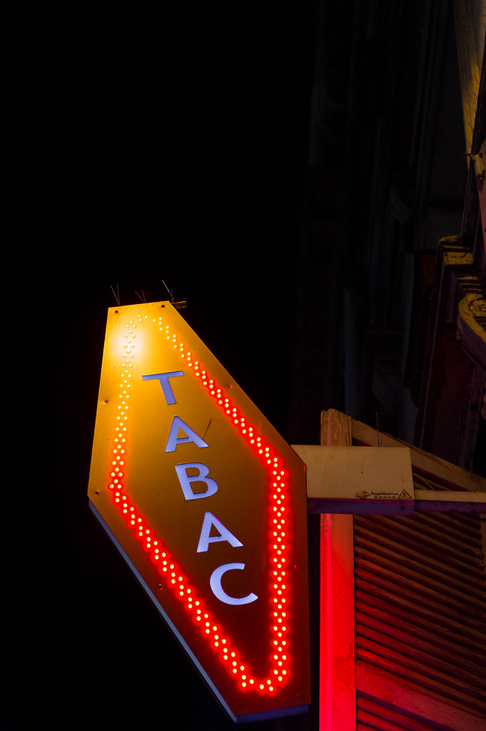 The world 39 s best photos of shop and tobacco flickr hive mind - Enseigne tabac carotte ...