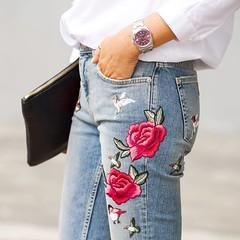 Detalles bonitos que hacen un look perfecto. Y es que estos pantalones me tienen loca. Tenis todas las fotos y detalles en el blog (enlace directo en mi BIO) Pretty details for a perfect outfit. I love these jeans. You have all the details and pictures o (WOWS_) Tags: fashion beauty moda belleza streetstyle