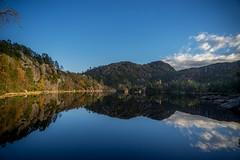 Skåleviksvatnet (★ANDMIK★) Tags: skåleviksvatnet laksevåg landscape waterreflections water autumn oktober 2016 norway
