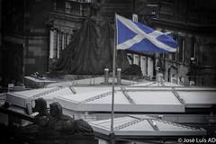 bandera escocesa (joluardi) Tags: edimburgo scotland gb scottishflag escocia uk unitedkingdom granbretaa greatbritain edimburgh bandera flag