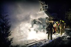 lmh-rundtjernveien126 (oslobrannogredning) Tags: bygningsbrann brann brannvesenet brannmannskaper slokkeinnsats brannslokking brannslukking røykdykker røykdykkere røykdykking