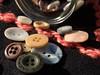 Del baúl de la abuela (Letua) Tags: botones colores texturas cloth frasco vidrio lana buttons colors textures jar glassjar recuerdos remembrance crazytuesdaytheme 7dwf