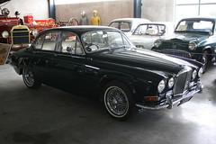 Jaguar 420 (ambodavenz) Tags: jaguar 420 classic car geraldine vintage machinery museum crank up south canterbury new zealand
