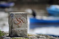 Harbor (YellowSingle ) Tags: socoa harbor booked atlantic ocean pays basque cross nikon d3