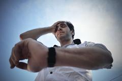 Tiempo - Time (Emir Cykman) Tags: practicalwork trabajoprctico fotografa photography 18mm 1855mmlens nikon nikond5200 granangular photographie time tiempo watch reloj shirt camisa cielo sky