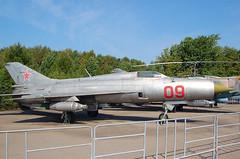 09 Red Mikoyan Mig-21PFS (johnyates2011) Tags: moscowvictorypark centralmuseumofgreatpatrioticwar 09red mikoyanmig21 mig mig21 09blue