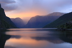 Flåm, Norway (zug55) Tags: sunset norway norge unescoworldheritagesite unesco worldheritagesite explore fjord flåm sognefjord sognefjorden aurlandsfjorden aurlandsfjord