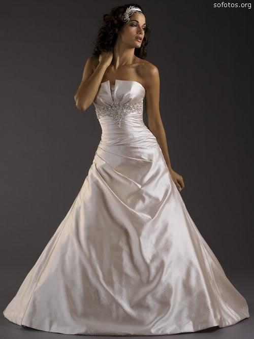Vestidos de noiva de cetim