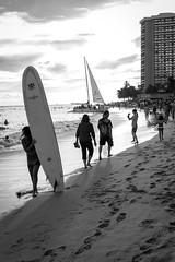 Ordinary sunday (sandrine L.) Tags: street leica bw beach hawaii waikiki honolulu m9