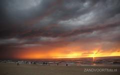 DSC06010 (ZANDVOORTfoto.nl) Tags: sunset sea sky sun beach netherlands clouds strand coast photo zonsondergang foto dunes nederland noordzee sunny zee shore northsea lucht duinen zon zandvoort aan niederlande ondergaande keur beachlive ediwn uitzandvoortnl zandvoortfotonl zandvoortfoto zandvoortphoto