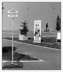 Feuerwehrbewegungsfläche - zone for the movement of the fire brigade (look-book) Tags: bw panorama white black berlin film look analog 50mm book photo blackwhite und nikon foto f14 trix d76 fotos crop analogue 135 kb lookbook selfdeveloped f6 24x36 analogous analogicas análogo blackandwhitesw