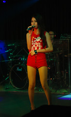 Young and Pretty Singer (Rickloh) Tags: girls music beautiful lady asian 50mm asahi pentax takumar young rick samsung thai singer smc nx mirrorless nx11 rickloh