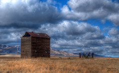 old wooden grain elevator (Pattys-photos) Tags: old wooden cloudy idaho hdr grainelevator