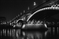 Margaret Bridge / Margit híd (Laszlo_Gerencser) Tags: bridge night hungary takumar kodak budapest margaret spotmatic 3200 xtol tmz