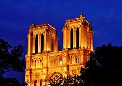 Gold of Notre-Dame (Sizun Eye) Tags: france night gold notredame bluehour nightfall paris1er