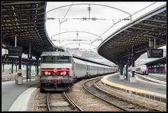 22-02-2014, Paris Gare de l'Est, SNCF 15001 + rijtuigen + 15002 (Koen langs de baan) Tags: