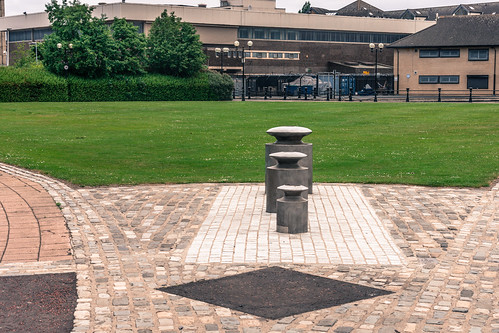 Weights 2000 By Mike Hogg - Cromac Springs, Maysfield [Belfast]