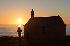 Coucher de soleil (Klon Bishop) Tags: 2016 bretagne coucherdesoleil sunset breizh france church