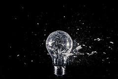 LIGHT BULB DESTRUCTION SERIE  IMG_5245 (photo.bymau) Tags: bymau canon 7d black white bw blanco bianco negro dark high speed flash sync highspeed flashsync haute vitesse synchronisation studio serie test draft art light bulb explosion shoot
