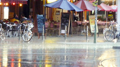 unbenannt (1 von 1)-14 (winter.c) Tags: farben regen licht bunt schirme