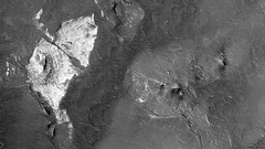 ESP_024427_1740 (UAHiRISE) Tags: mars nasa jpl mro universityofarizona ua uofa science landscape geology
