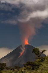 Volcn de Colima en Mxico (Christian Villicaa (Fotografa)) Tags: volcandecolima volcano volcn volcani volcanicexplosion mxico colima colimavolcano