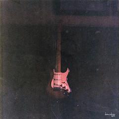57 Stratocaster Reissue (Daniel Y. Go) Tags: rolleiflex rolleiflex28e2 tlr film analog analogue mediumformat square squareformat 6x6 rollei 80mmf28 planar carlzeissplanar superia100