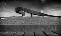 Het elastisch perspectief 2 (Rens Timmermans) Tags: canon5dmk3 sigma1224f4556dg blackwhite kunstwerken niksilverefexpro