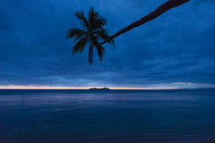 Reaching for the Sunset (Emceee17) Tags: sunset fiji afs d800 1424
