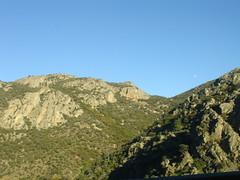 Parque natural de Despeñaperros, Jaén (A. Montero C.) Tags: españa mountain atardecer andalucía spain montaña jaén vegetación naturallandscape despeñaperros parquenatural calizas paisajenatural geografíafísica paredesabruptas pshysicalgeography