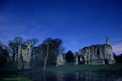 Old Minster Lovell Hall (Andy Pandy Pooh) Tags: old moon night hall astro astrophotography minster lovell