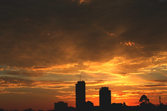 ~Jennir Narvez (TheJennire) Tags: camera morning light brazil sky sun luz sol brasil clouds sunrise canon buildings cores photography photo colours foto sopaulo magic atmosphere cu colores teen sp cielo nuvens moment camara nuves footgrafia