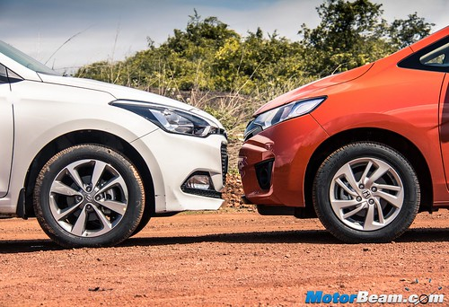 2015-Honda-Jazz-vs-Hyundai-Elite-i20-17