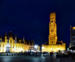 Bruges - Belfry (Martin M. Miles) Tags: bruges brugge bruegge belfortvanbrugge belfry beffroi hanseaticleague hanse inbruges bonsbaisersdebruges nightshot eastflanders belgique belgium belgien