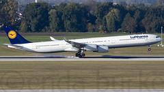 Lufthansa D-AIHL 16-10-2016 (Enda Burke) Tags: daihl lh muc munich germany avgeek aviation lufthansa canon canon7dmk2 airbus airbusa340 a340600 landing