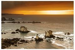 Esperando el sol (1mrz) Tags: paisaje mar sea landscape agua puesta de sol costa playa beach espaa water sunset sun