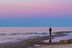 Der schne Schein (dlorenz69) Tags: baltic sea ostsee rgen island insel germany evening angler angeln fisher fishing sunset pink sonnenuntergang abend farbe himmel sky see meer strand beach coast kste spiegelung reflection water patches pftze death tod