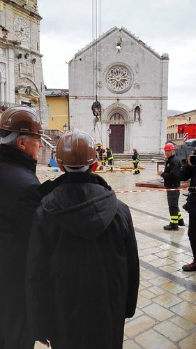 11 novembre 2016: card. Tagle in visita a luoghi e persone colpiti dal sisma (Norcia ed Amatrice)