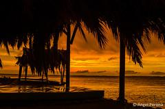 Atardecer en Punta Encanto (Angel Perona) Tags: atardeceres sunset siluetas miramar crdoba argentina marchiquita mardeansenuza
