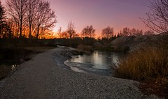 In Schlupfing am Kiesweiher (fuchs_ernst) Tags: nikon niederbayern abends sonnenuntergang schlupfing weitwinkel
