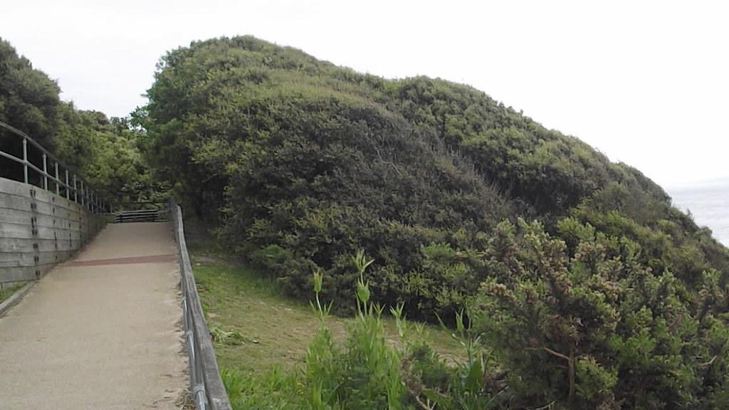 Highcliffe Castle Beach - Zig-Zag path to beach - HD video clip