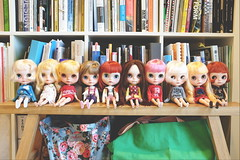 Dolly Shelf Monday ;-)