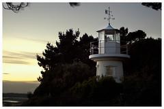 Lighthouse (Maw*Maw) Tags: sunset lighthouse beach contrast coast compass lepe