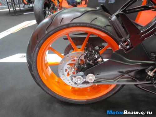 KTM-Tokyo-Motor-Show-2013-25