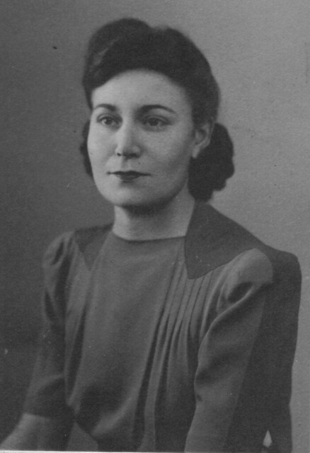 Winifred_Maud_Blott_nee_Brimson_1944