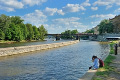 Prague / Kampa island : Sitting on the water's edge (Pantchoa) Tags: clouds river island nikon prague praha czechrepublic nikkor vltava moldau srichinmoy kampaisland d90 steleckostrov statueofharmony 1685f3556gedvr vision:mountain=0819 vision:outdoor=0976 vision:clouds=0948 vision:sky=0969 vision:ocean=0575